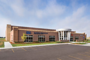 DWU & Avera Sports & Wellness, Mitchell, S.D., Puetz Construction, photos by Ken Petersen Photography (Architecture)